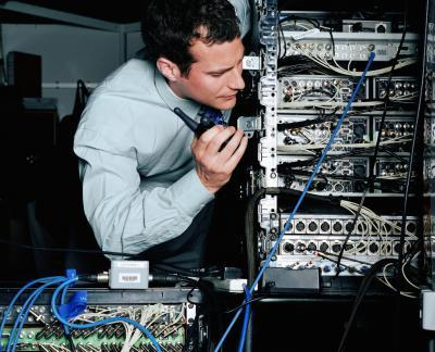 Quali sono i vantaggi di cablaggi in fibra ottica Nel corso di cablaggio in rame?