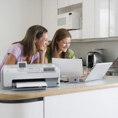 Come si installa una cartuccia d'inchiostro per una stampante Epson CX8400?