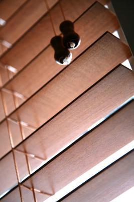 Come togliere le persiane in legno
