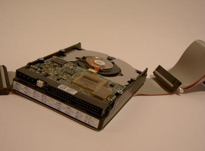 Come collegare un IDE ad un computer portatile