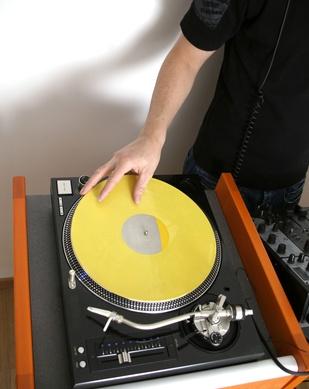 Di cosa ho bisogno per iniziare Deejaying su Virtual DJ?