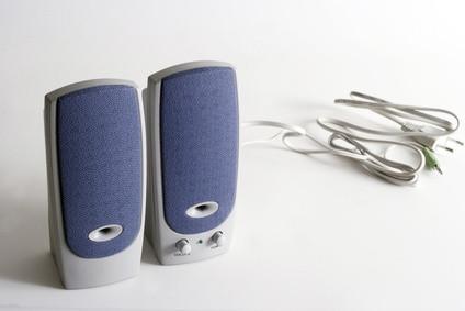 Come abilitare un dispositivo di output audio