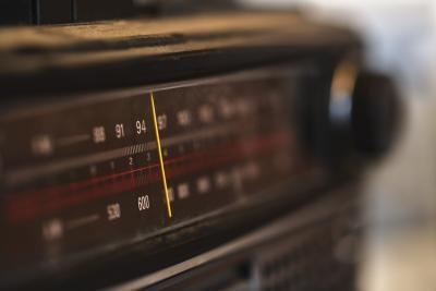 Come suonare come si sta parlando in una radio in Audacity