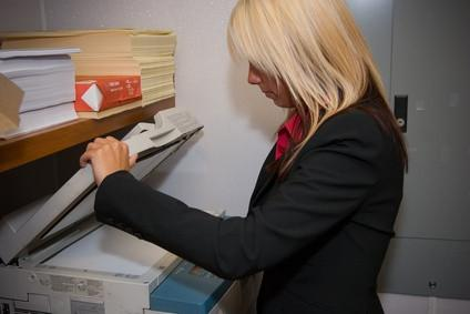 Come stampare una trasparenza LaserJet