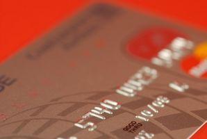 Come utilizzare una carta di debito come una carta di credito online