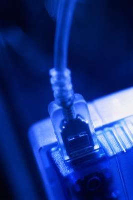 Informazioni su come salvare filmati utilizzando un cavo USB