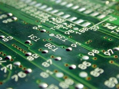 Come pulire i componenti elettronici