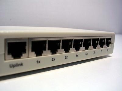 Come impostare uno switch Linksys Cinque Port su un router Comcast