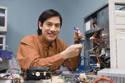 Come installare ventole di raffreddamento aggiuntivi per un computer