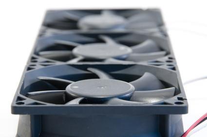 Come aumentare la velocità del ventilatore su un computer