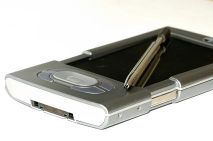 Come faccio a cancellare tutti i dati su un Palm Pilot?