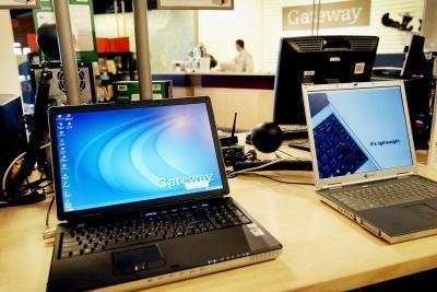 Come sostituire la RAM in un computer portatile Gateway