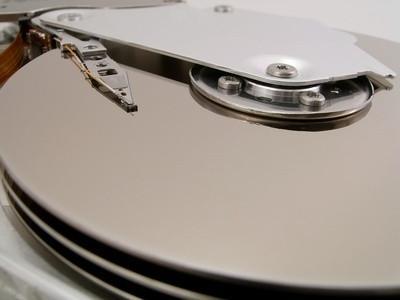 Come rimuovere disco rigido da Dell Inspiron 640M