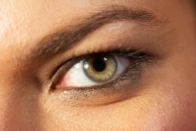 Come Photoshop Eyeliner