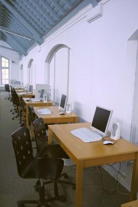 Come faccio a creare un sito web insegnante gratis?
