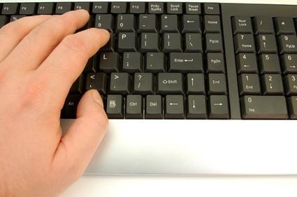 Come ripetere le parole in un documento di Word su un Personal Computer
