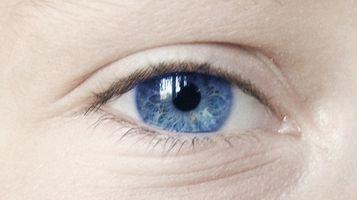 Come modificare il colore degli occhi su FotoFlexer