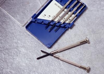 Come sostituire l'unità floppy in un HP Compaq NX9010