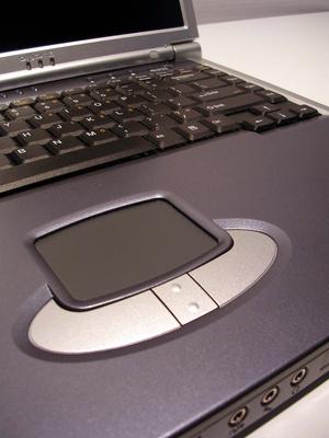 Come risolvere una chiave sinistro del mouse Bloccato e pressato su un computer portatile