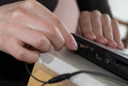 Come cambiare la batteria in un dv9910us HP