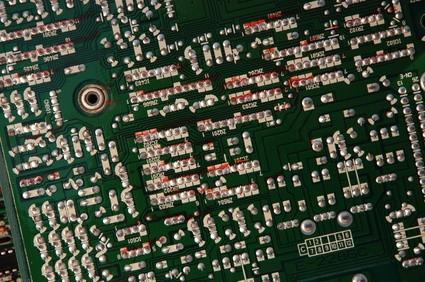 Come pulire circuiti che si è avuto Condensatori Perdite