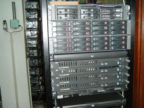 Desktop Computer Hardware vs. Hardware Server