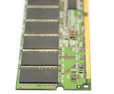 Come sostituire la RAM in un PC Asus Eee
