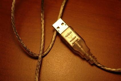 Come condividere file tramite un cavo USB