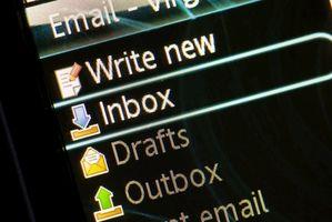 Come faccio a cancellare un indirizzo e-mail?