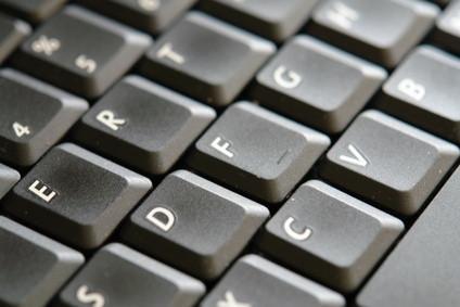 Come rimuovere una tastiera XPS M1530