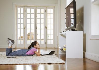 Si può proiettare la vostra schermo del computer portatile al televisore HDTV tramite un lettore DVD?