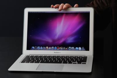 Come modificare la risoluzione su un computer portatile di Apple