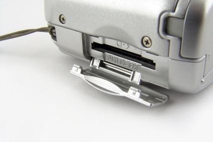 Come inserire una micro SD