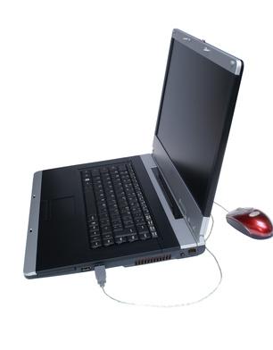 Come utilizzare uno schermo del computer portatile per un desktop