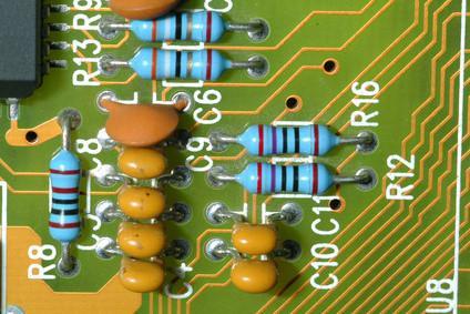 Come reimpostare il BIOS in una dimensione di Dell 8200