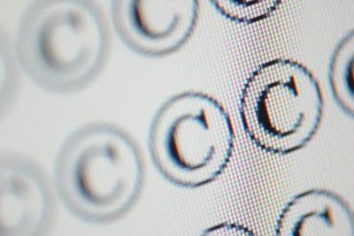 Come aggiungere i simboli di copyright in Photoshop Elements 7