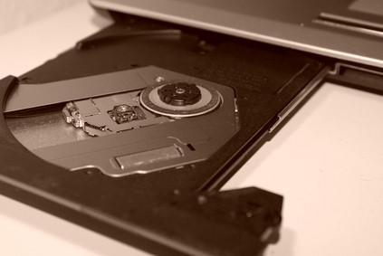 Come rimuovere DVD Da un portatile Acer