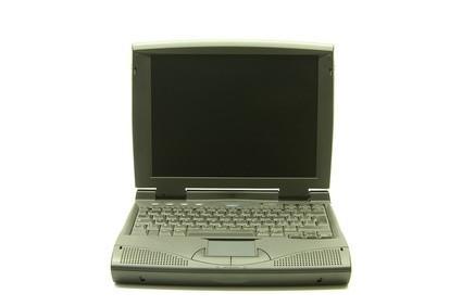 Come sostituire la batteria interna su un computer portatile IBM ThinkPad