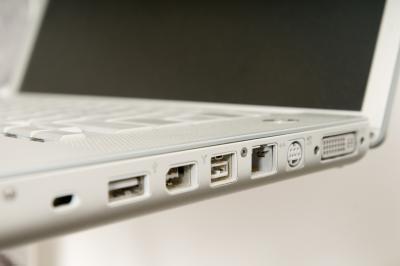 Si può collegare un proiettore video ad un notebook Mini?