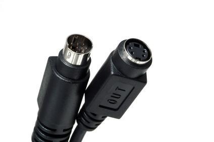 Come attivare l'uscita S-Video su un Dell Inspiron 700M