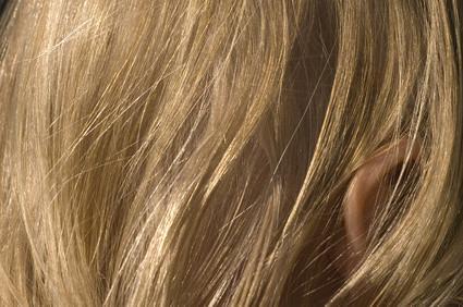 Come rendere i capelli guardare più a lungo con Photoshop