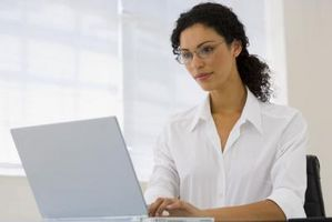 Come posso accedere ad una stampante su My Home di rete tramite il mio portatile di lavoro?