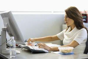 Come Retrofit una scrivania per una tastiera
