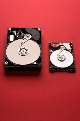 Come rimuovere il disco rigido per lo smaltimento del computer