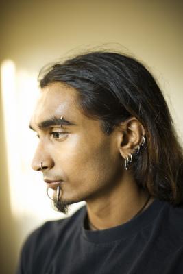 Come fare Piercing reale Guardando in Photoshop
