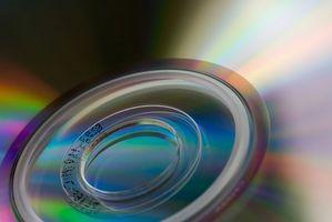 Come rimuovere il superiore e filtri più basso in un registro CD-ROM