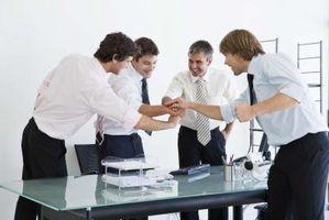 Quali sono i vantaggi di essere amici di Facebook con i colleghi?