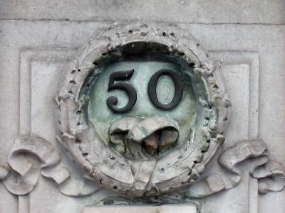 Come creare la copertina del 50 ° Anniversario Inviti