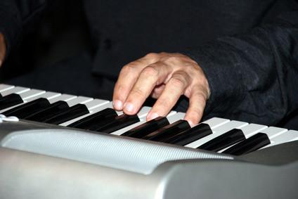 Come giocare una tastiera MIDI sul computer