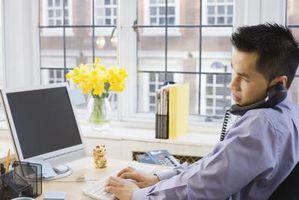Quali sono i tre vantaggi di e-mail?